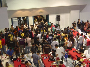 I attended Grand Prix Manila last March 17, 2006, and the event was jam-packed with people. Can you find me in the picture?